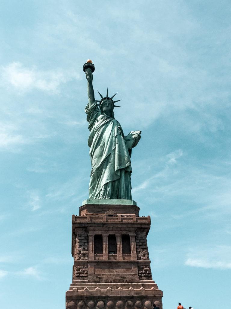 statua wolnosci w nowym jorku