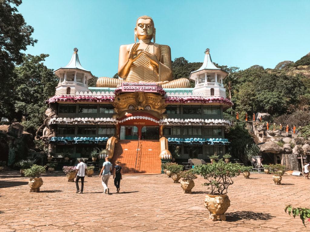 świątynia buddy w Dambulla
