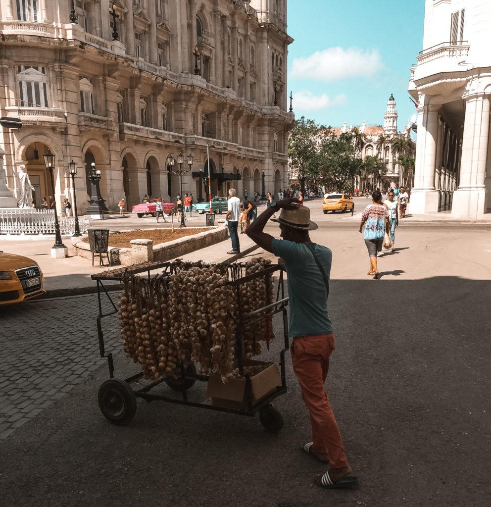 sprzedawca na Kubie