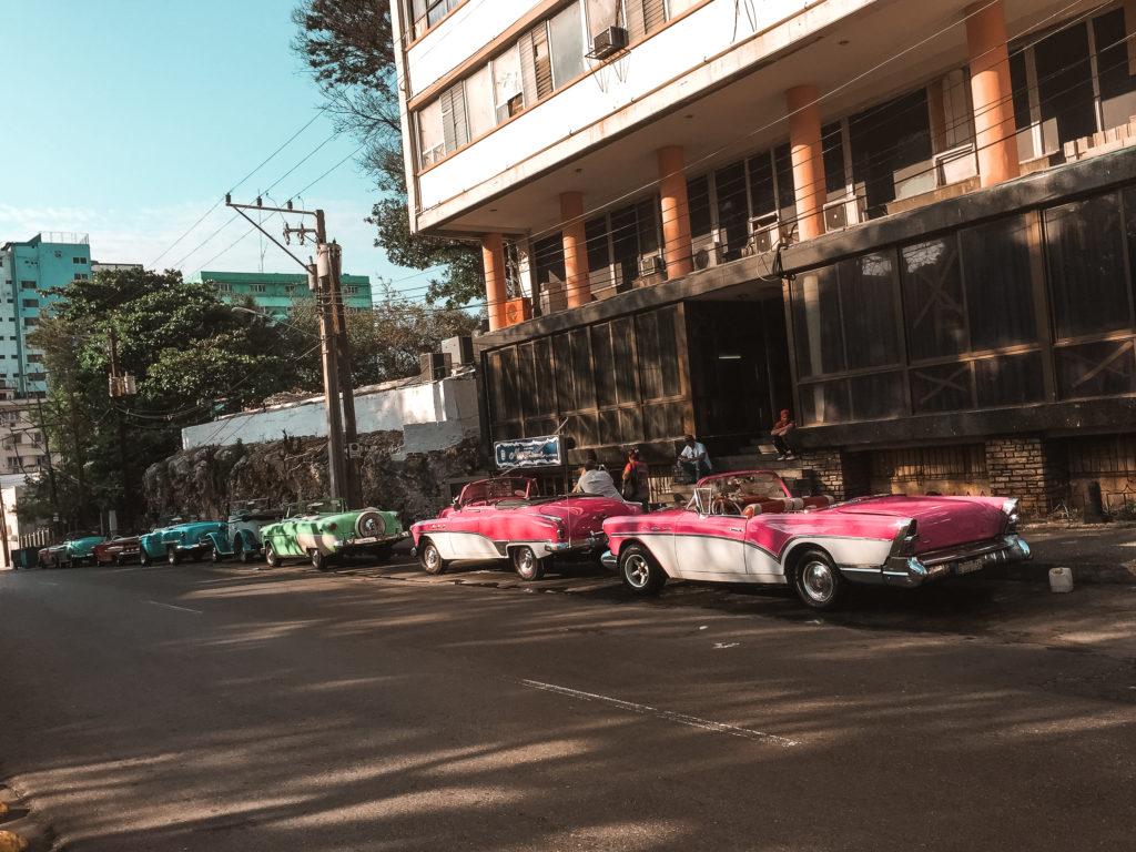 zabytkowe samochody na Kubie