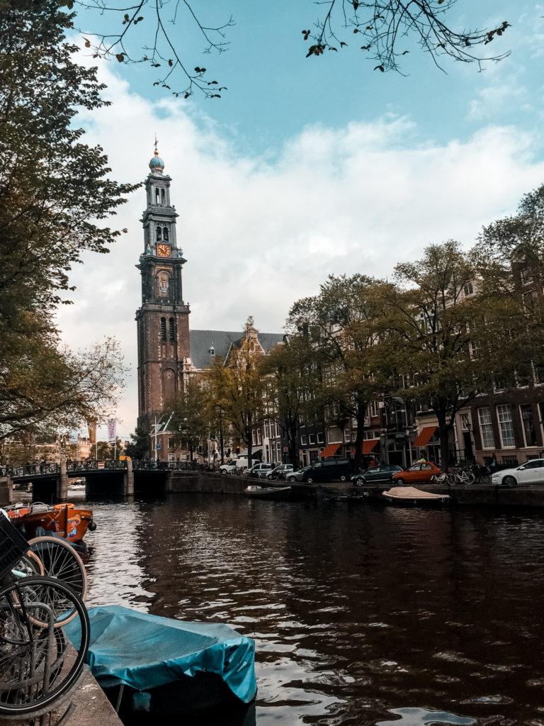 kanały wodne w Amsterdamie