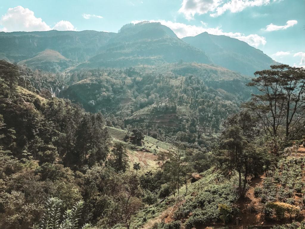 górzysty krajobraz w Ella