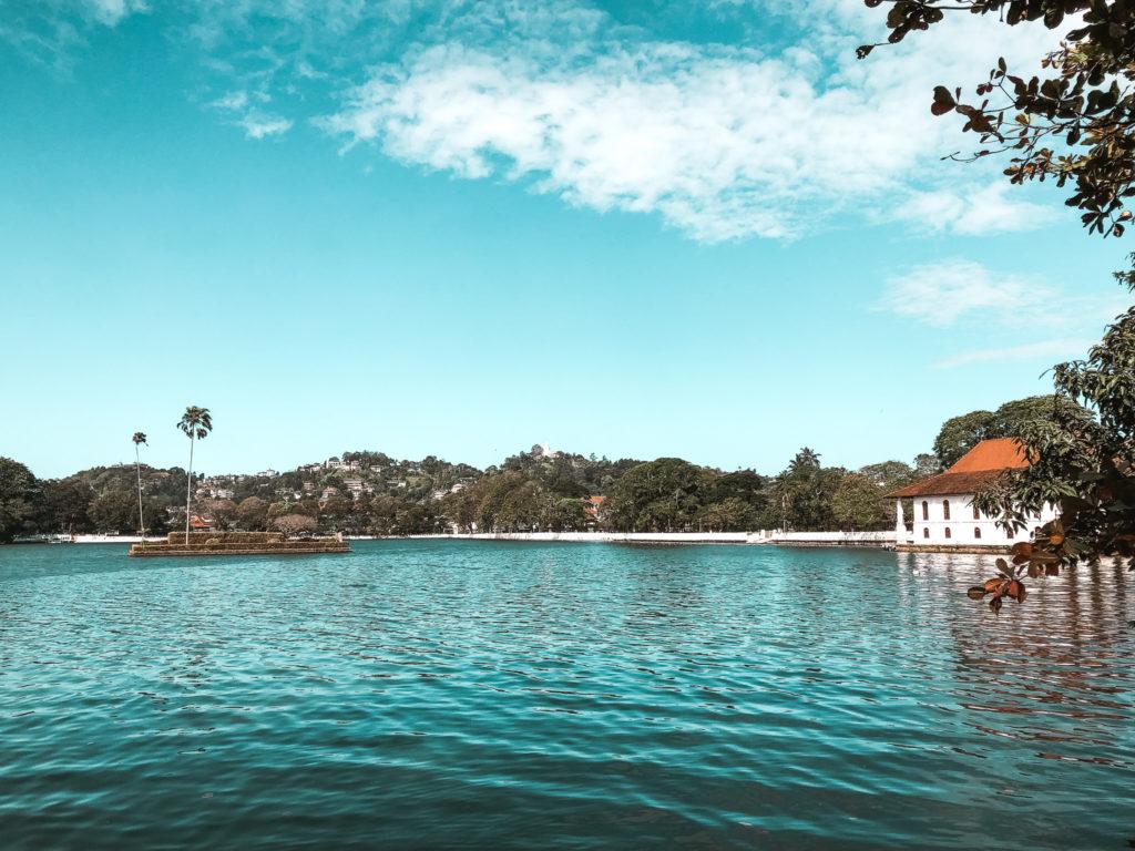 jezioro w kandy