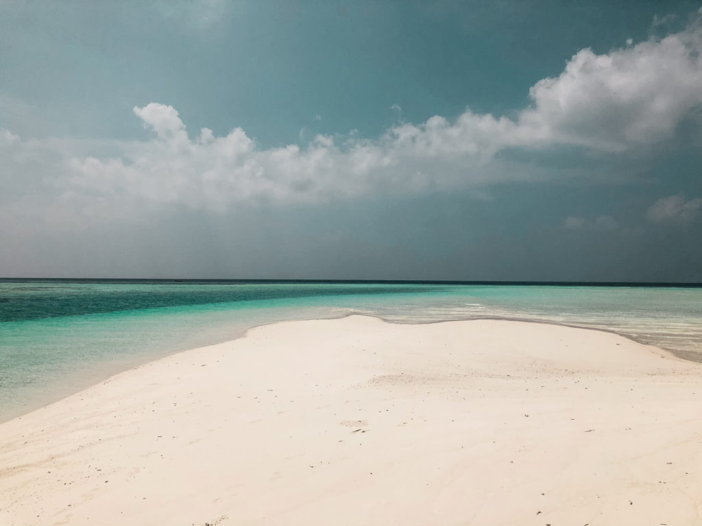 turkusowa woda na Malediwach