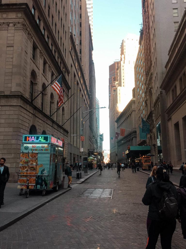 ulice na dolnym manhattanie w Nowym Jorku