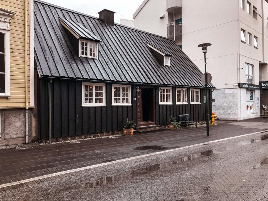 dom w Reykjaviku