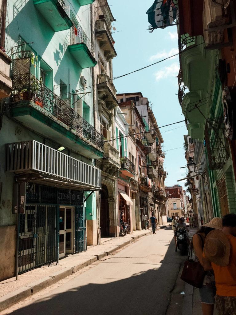 ulice w starej części Hawany