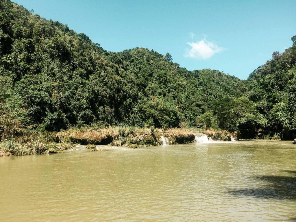 wodospady na rzece loboc