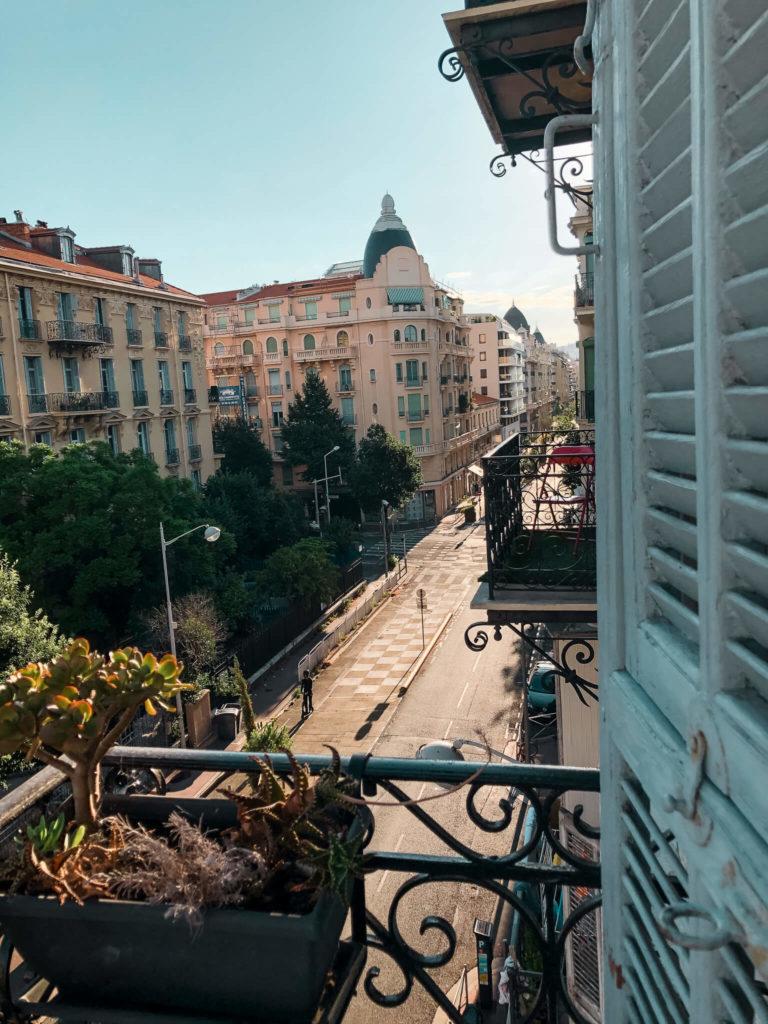 balkon w Nicei