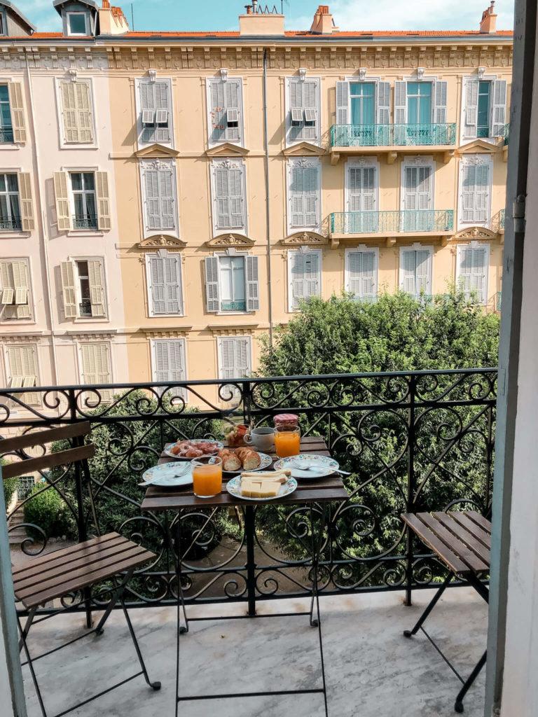 śniadania w Nicei